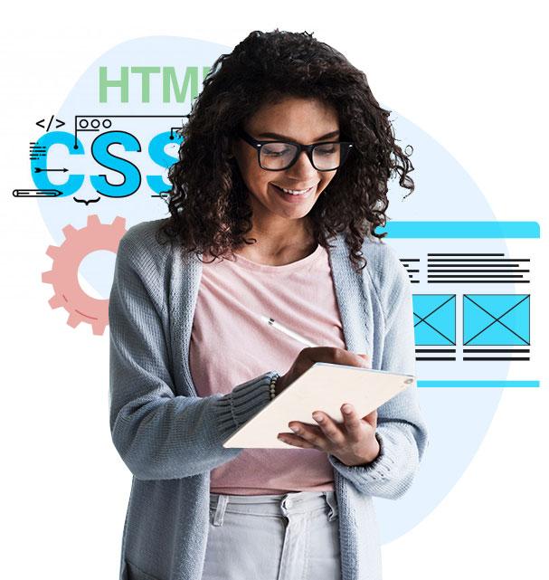 Emprendedora comprobando el diseño de su sitio web
